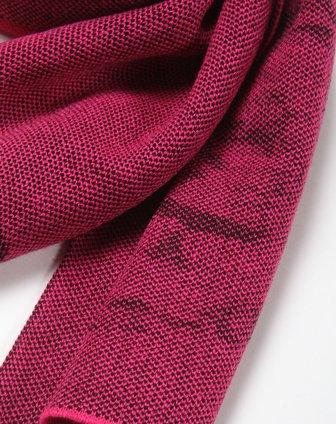 男款玫红色休闲编织围巾