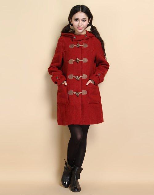枣红色连帽长袖毛呢大衣