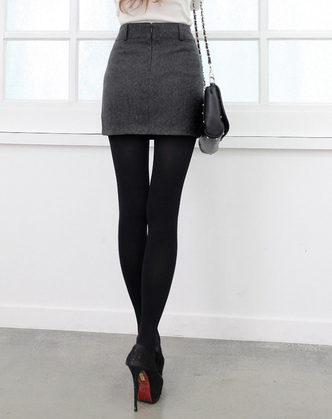灰色包臀打底短裙半身裙