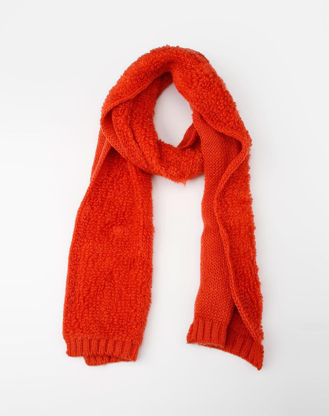 红色时尚编织围巾