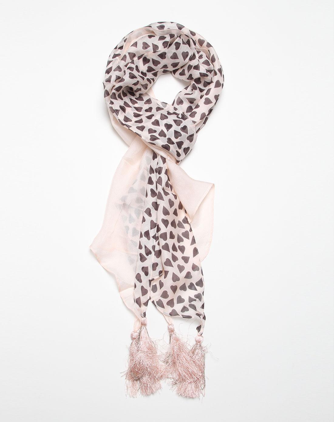 淡粉色心形时尚围巾图片