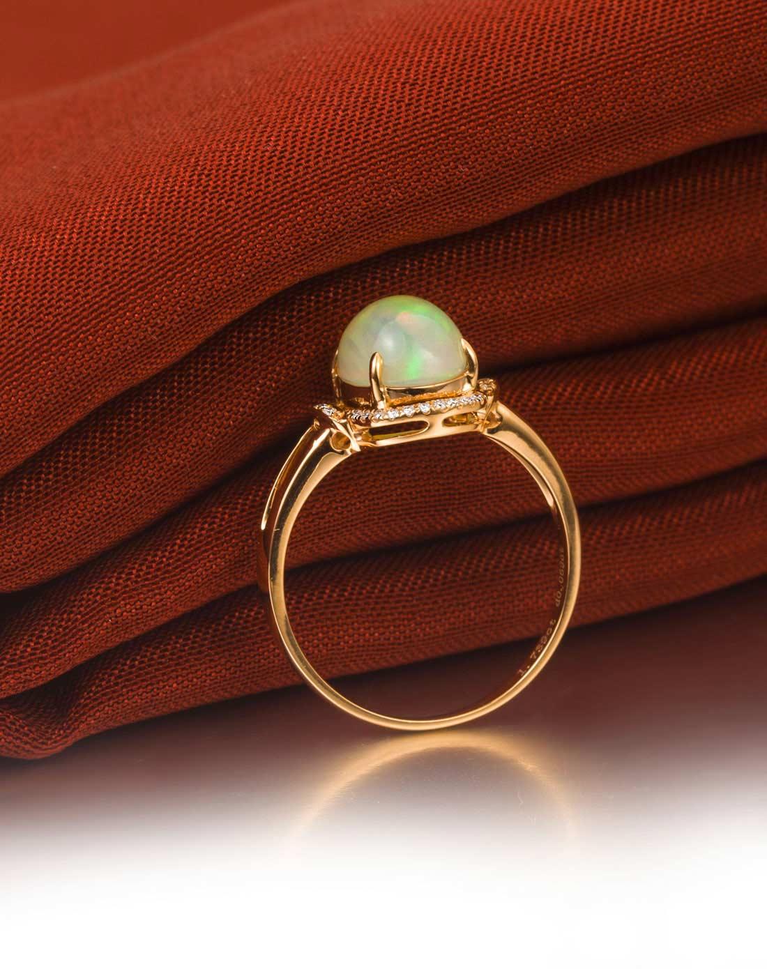 18k金欧泊钻石戒指