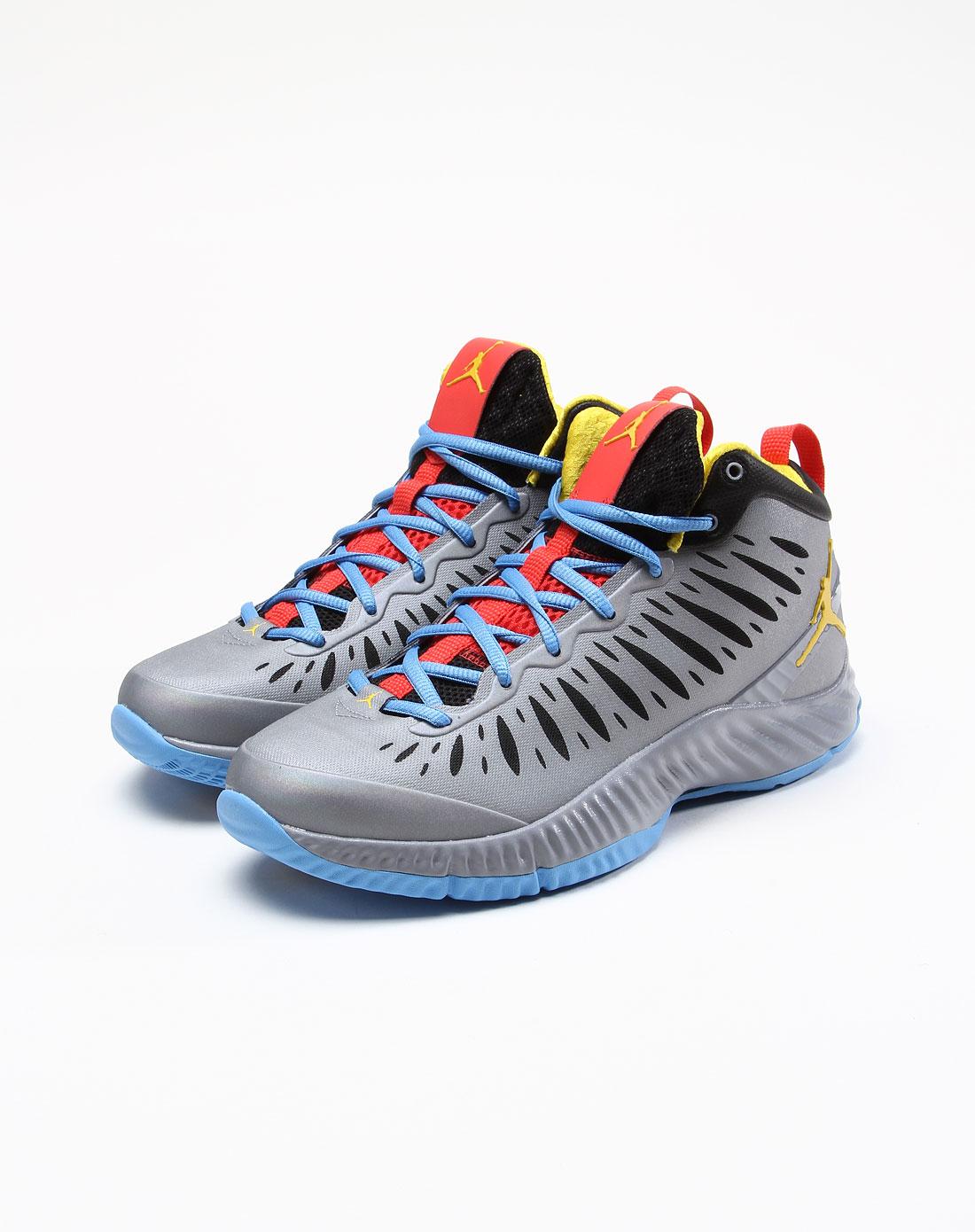 耐克nike男款灰色乔丹系列绑带篮球鞋557300-035
