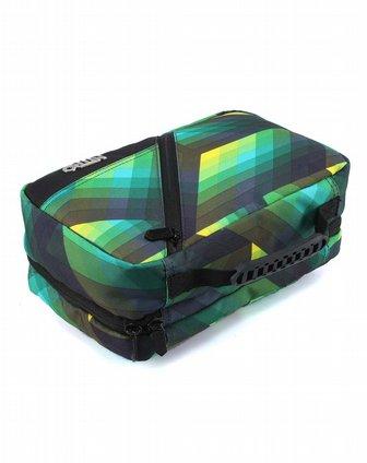 动感设计多分仓带挂钩防水中性款绿黑格收纳包