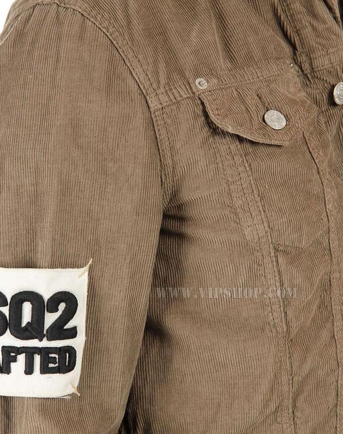 浅棕色毛衣 搭配