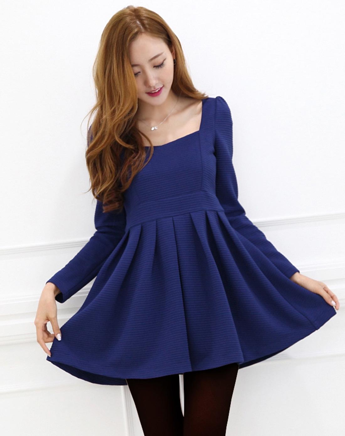 蓝色长袖连衣裙图片