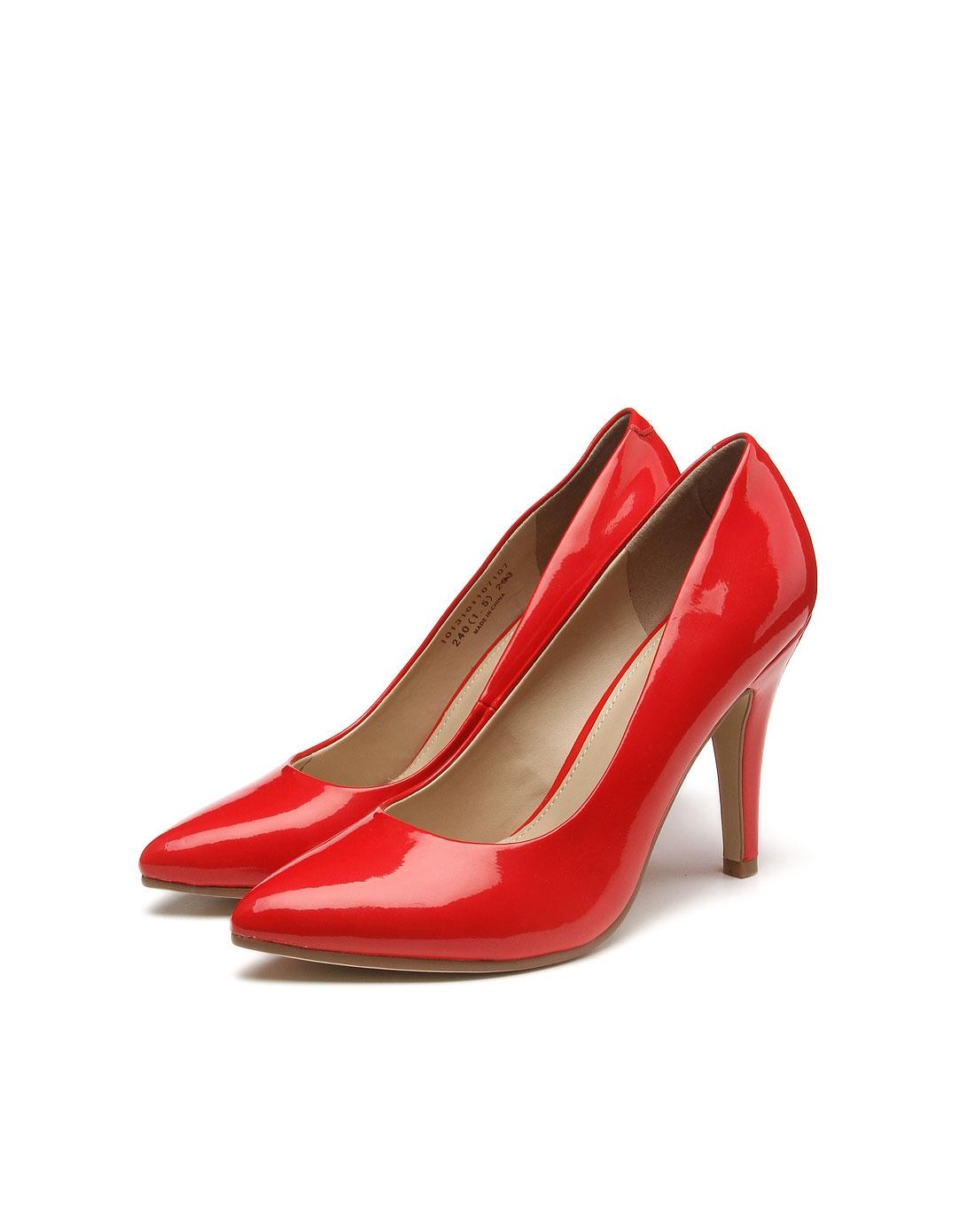 > 魅力红色高跟鞋