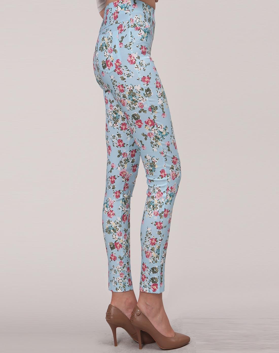 浅蓝色底花纹印花弹力铅笔长裤