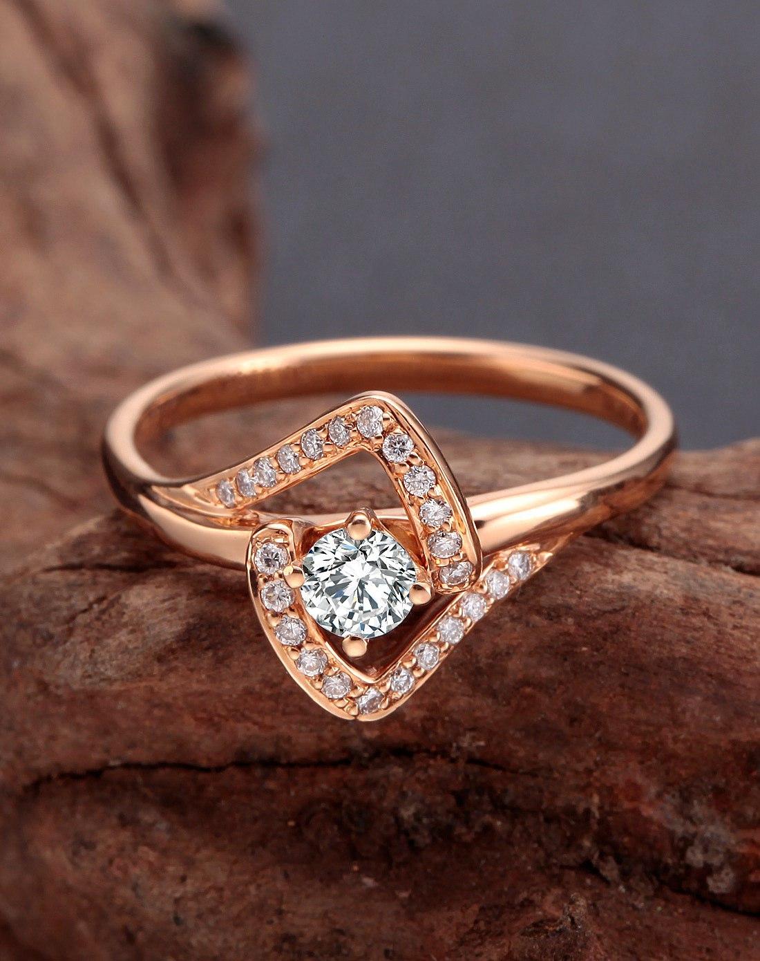 18k玫瑰金钻石戒指拥抱