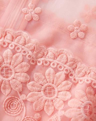 浅粉色小清新花朵连衣裙
