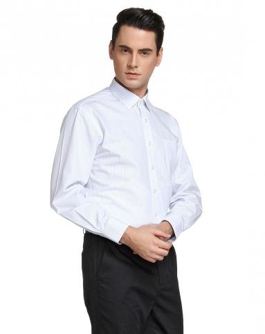 白底浅蓝色长袖衬衫