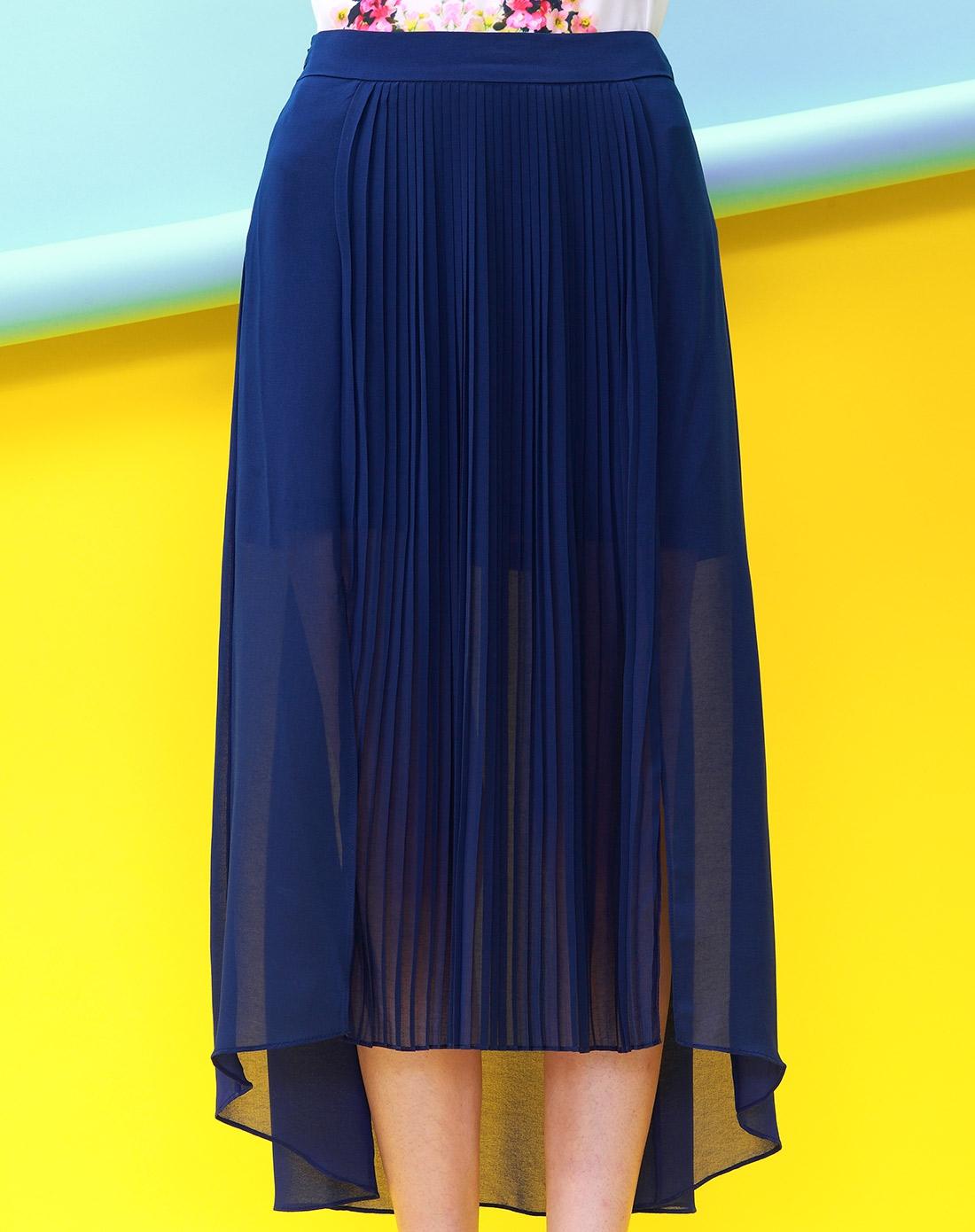 求深蓝色裙子搭配图