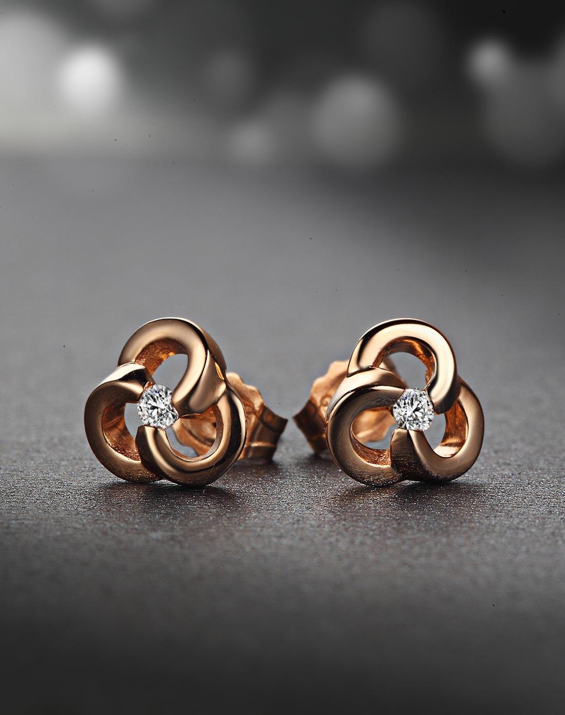 玫瑰金钻石耳钉