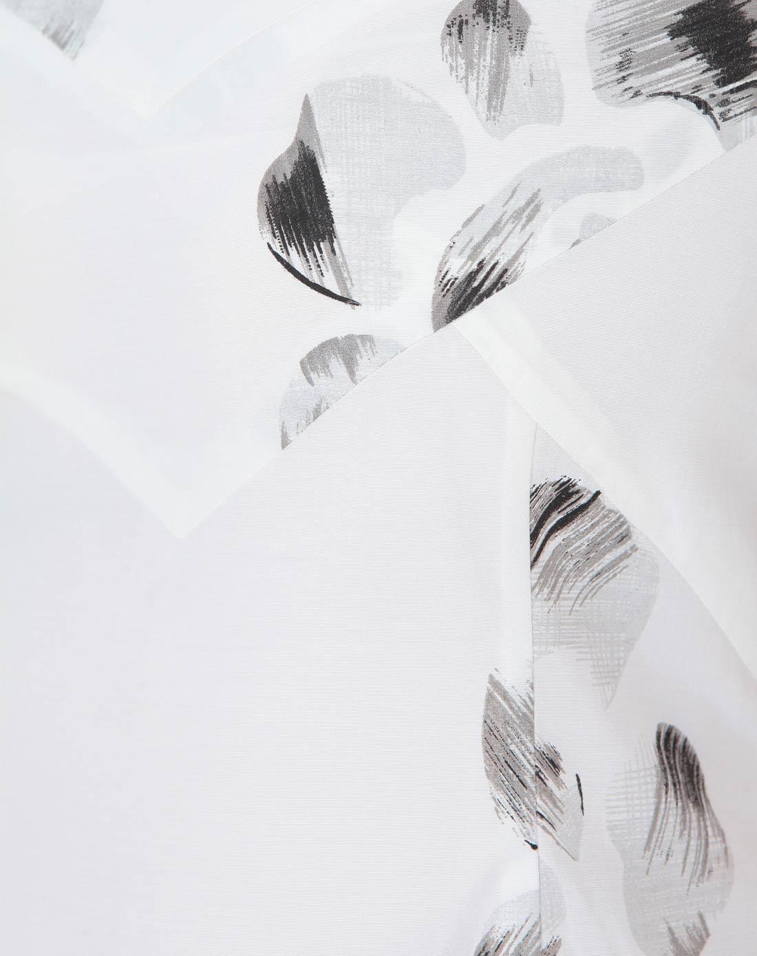 白色底手绘花朵淡雅连衣裙