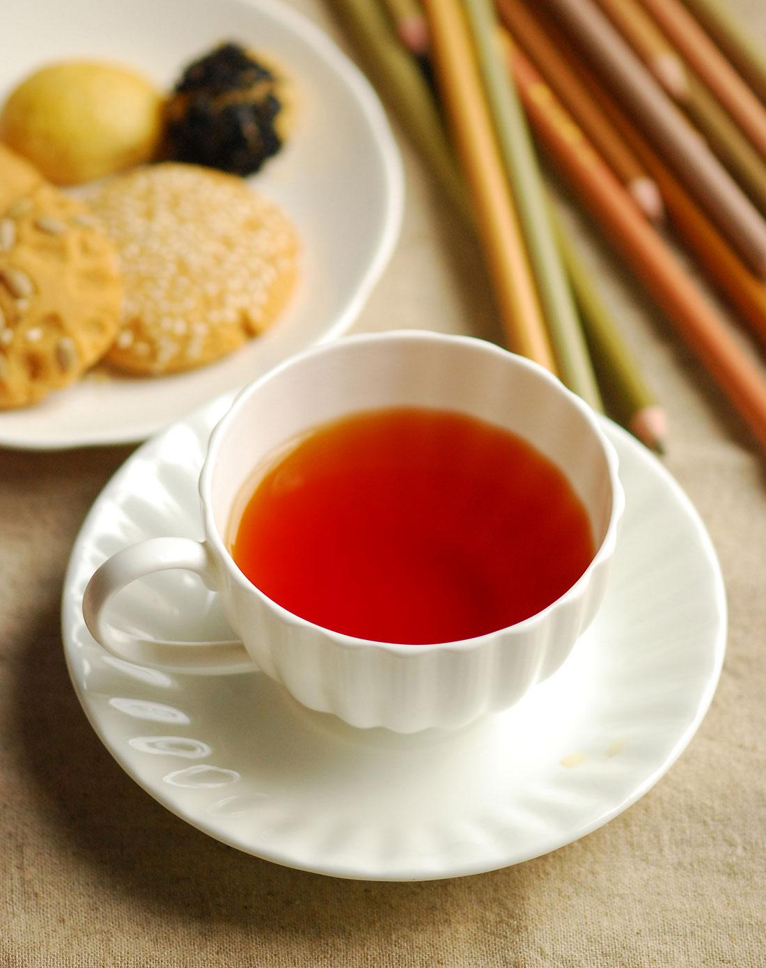 你会把红茶说成red tea吗?茶的英文怎么说?