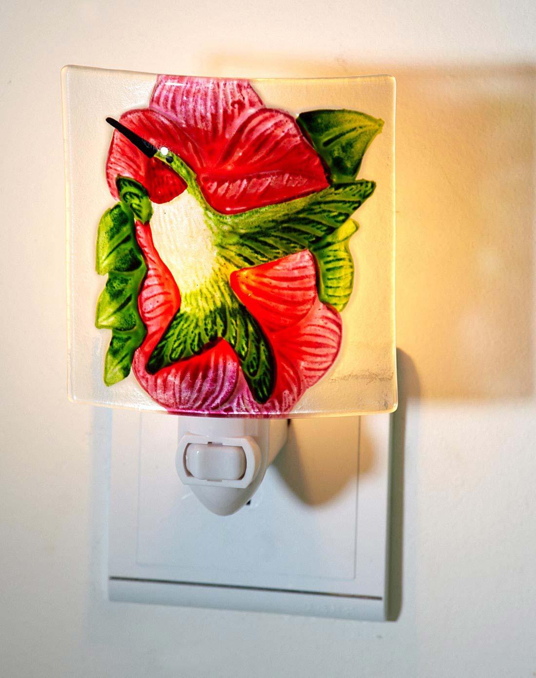 > 蜂鸟红花手绘热熔玻璃小夜灯