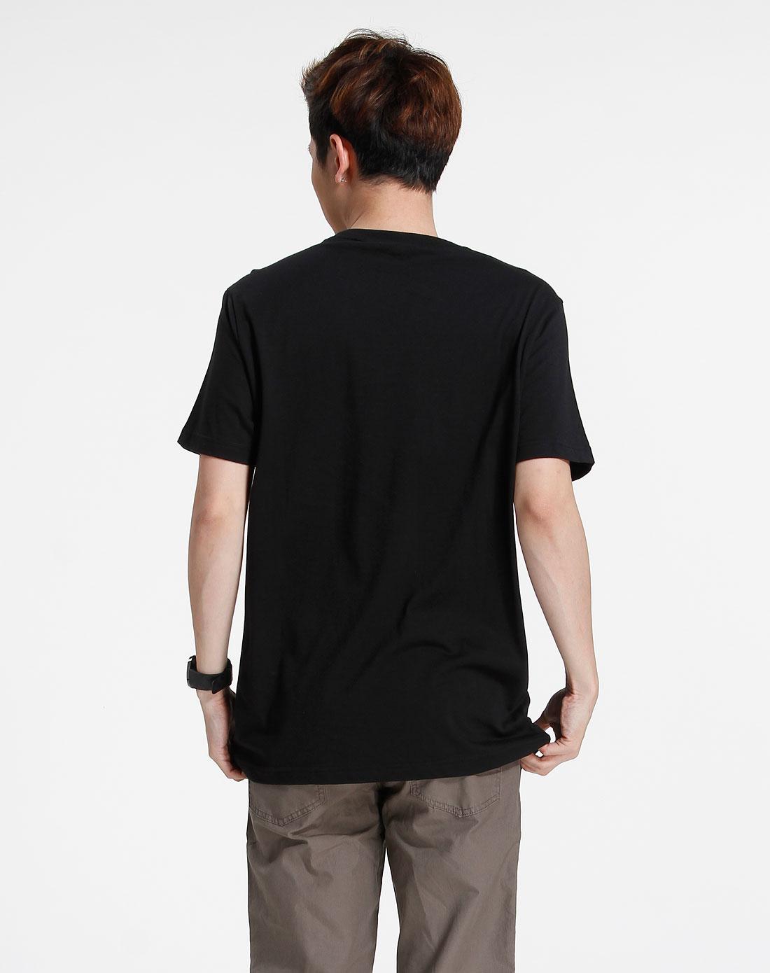 森马-男装黑色印图休闲短袖t恤002151098-900图片