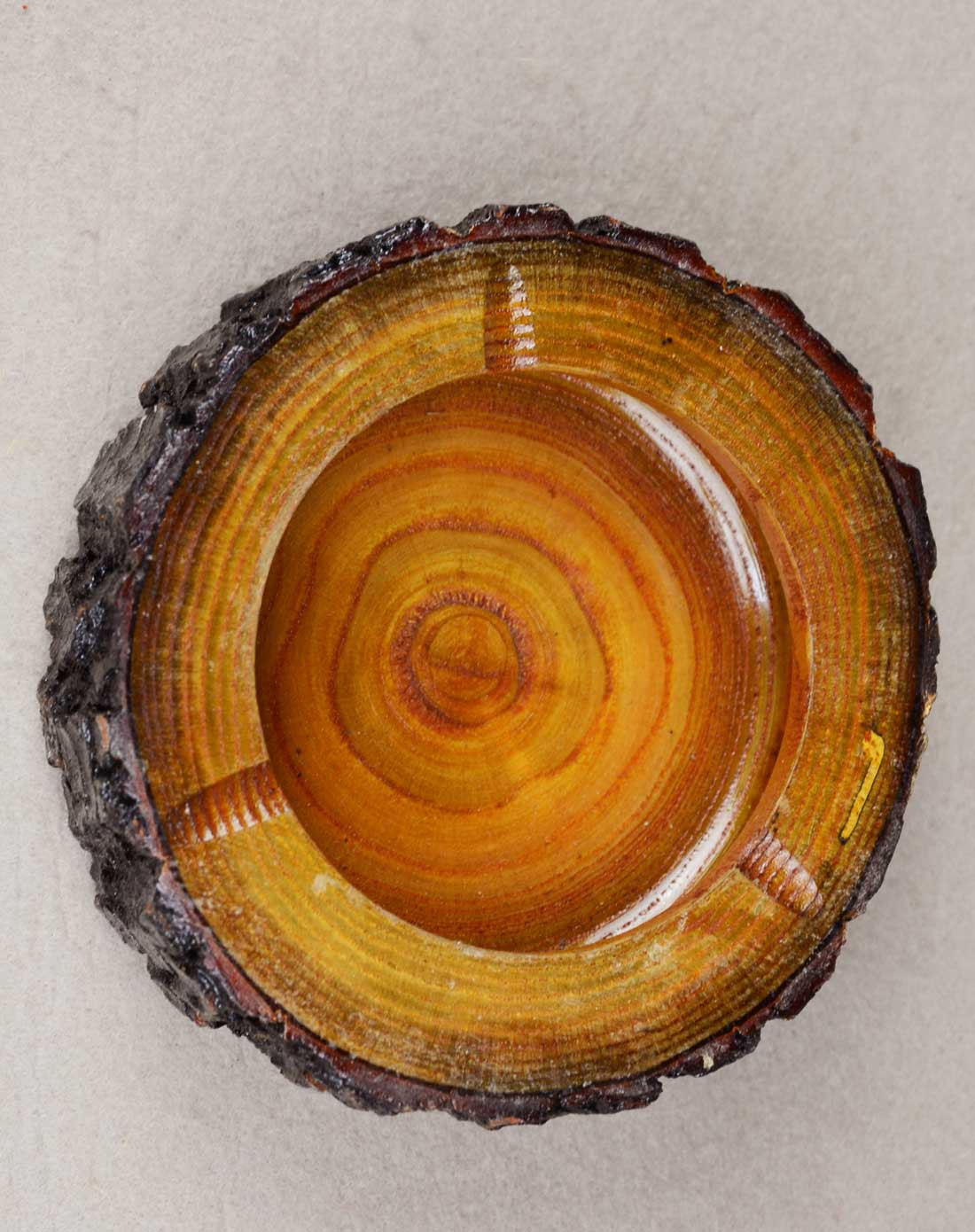 原木树皮烟缸