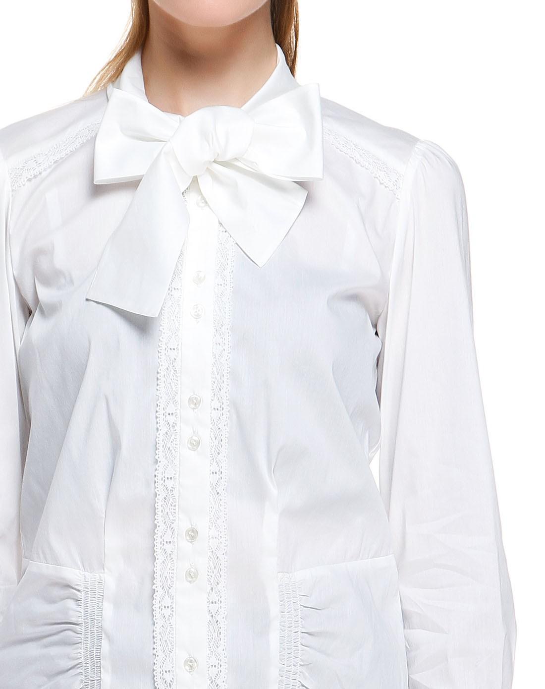 女性白色拼花边短款衬衫