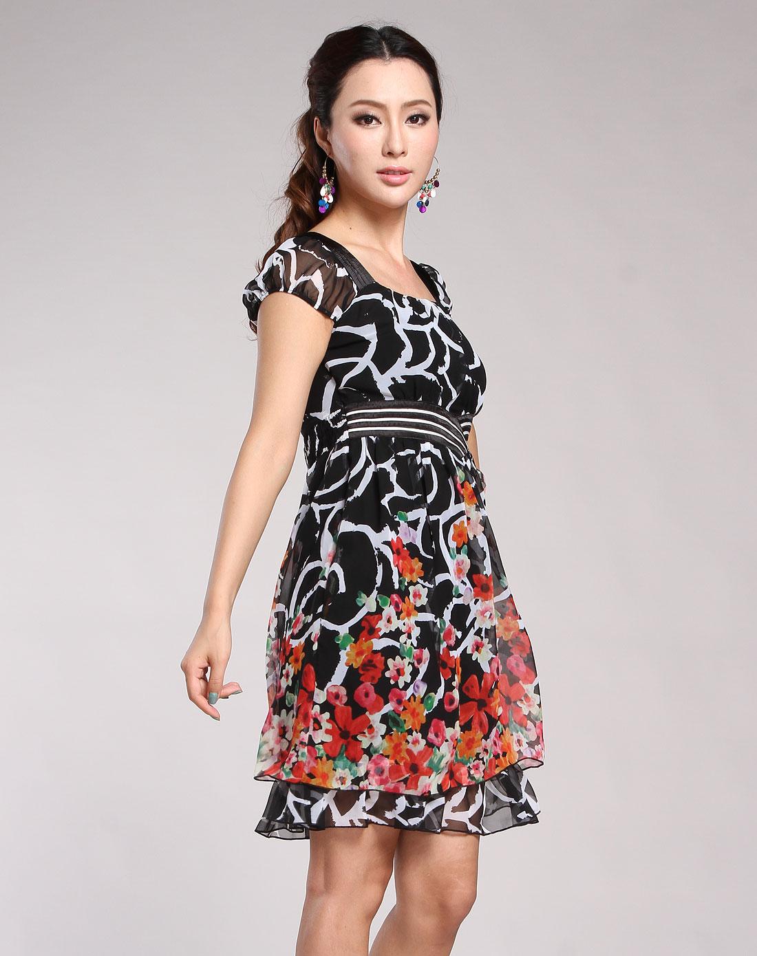 黑色花纹休闲短袖连衣裙