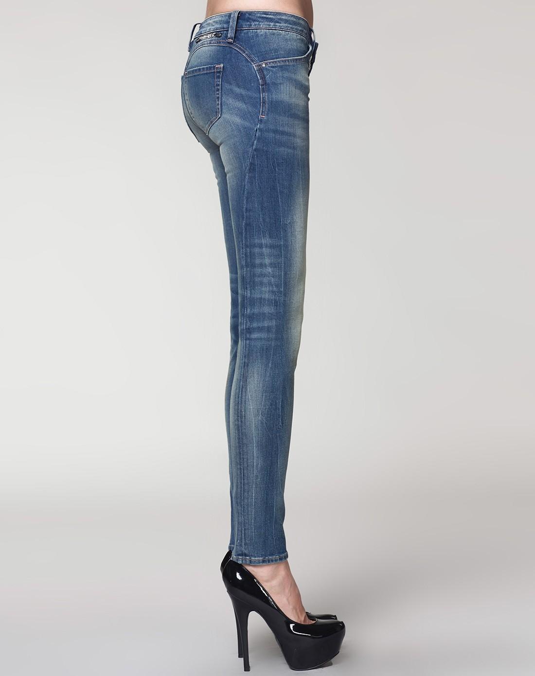 银色系列苹果翘臀棉质小脚牛仔裤