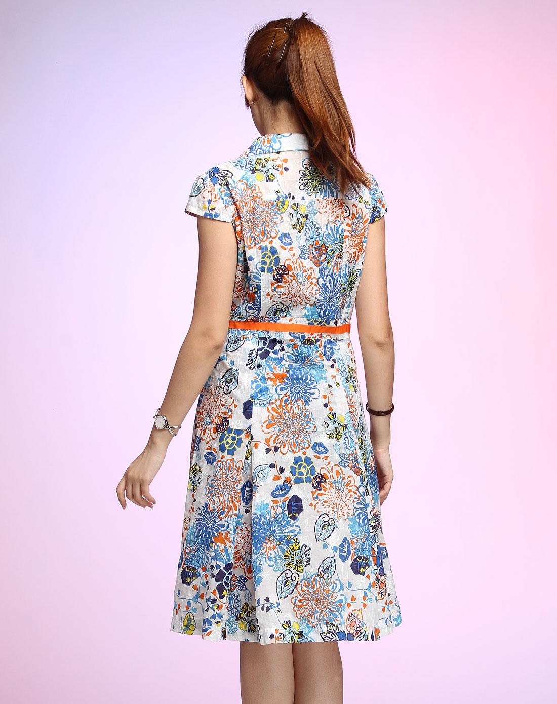 蓝色时尚花纹短袖连衣裙