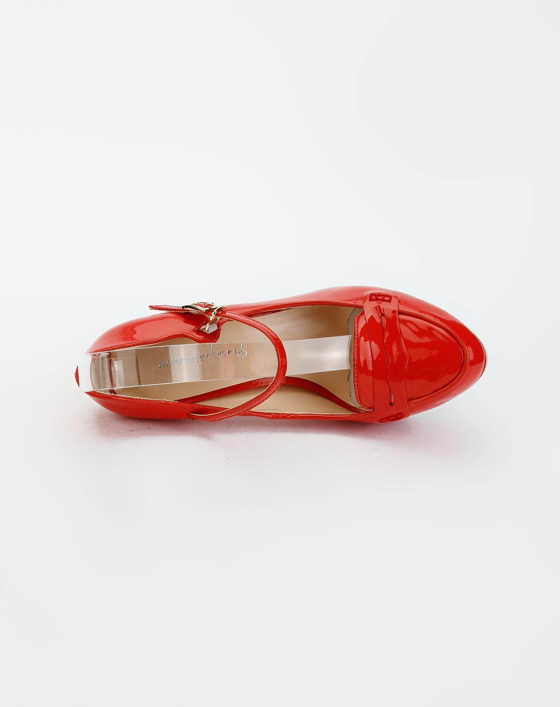 红色时尚休闲高跟鞋