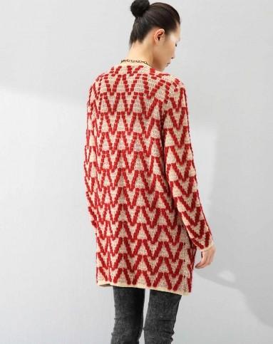 红色民族编织波浪纹毛衣