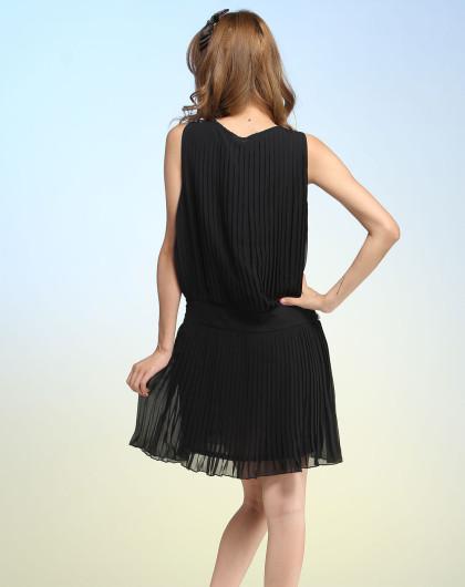 黑色皱褶无袖连身裙
