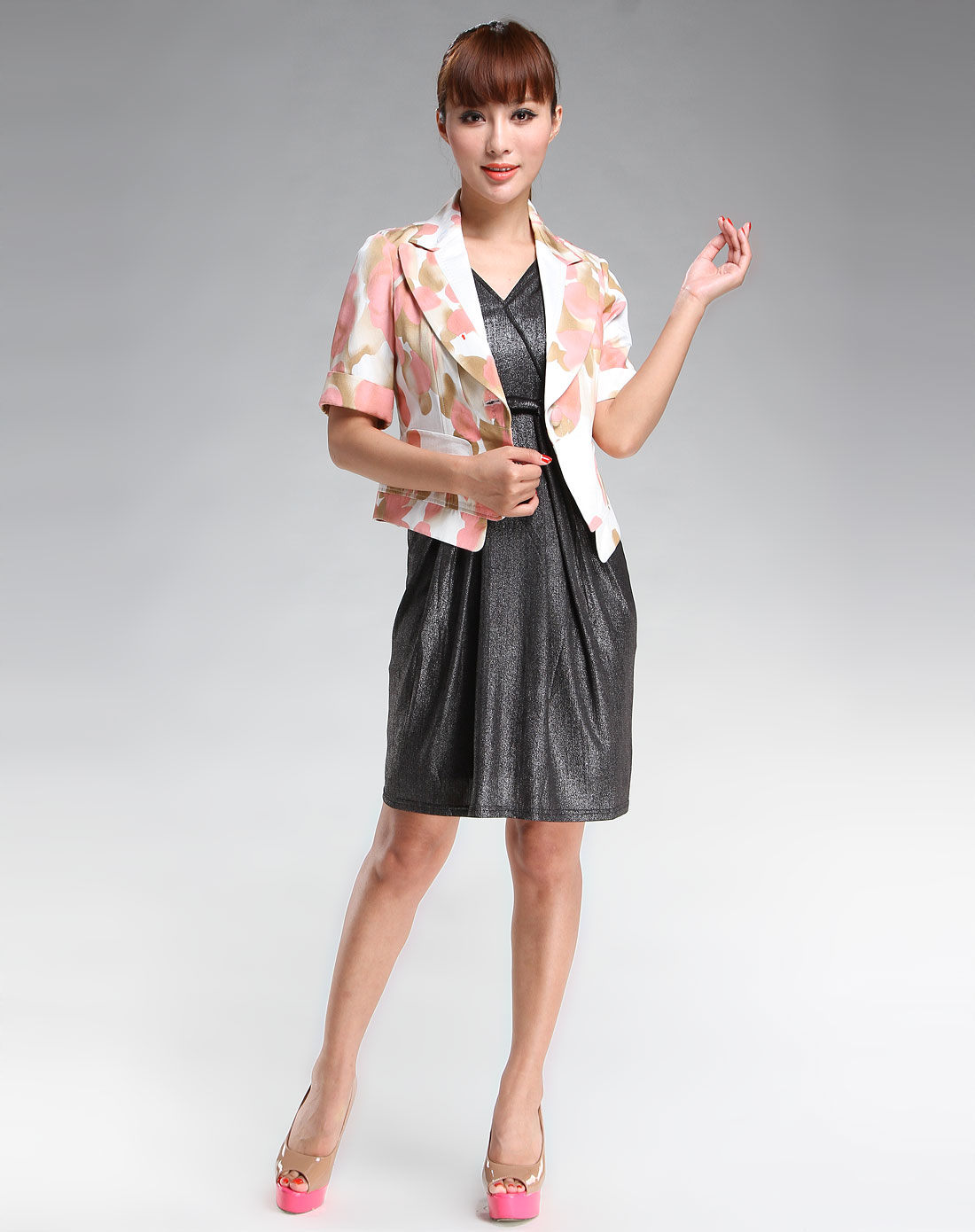 女款白/粉红色时尚中袖上衣