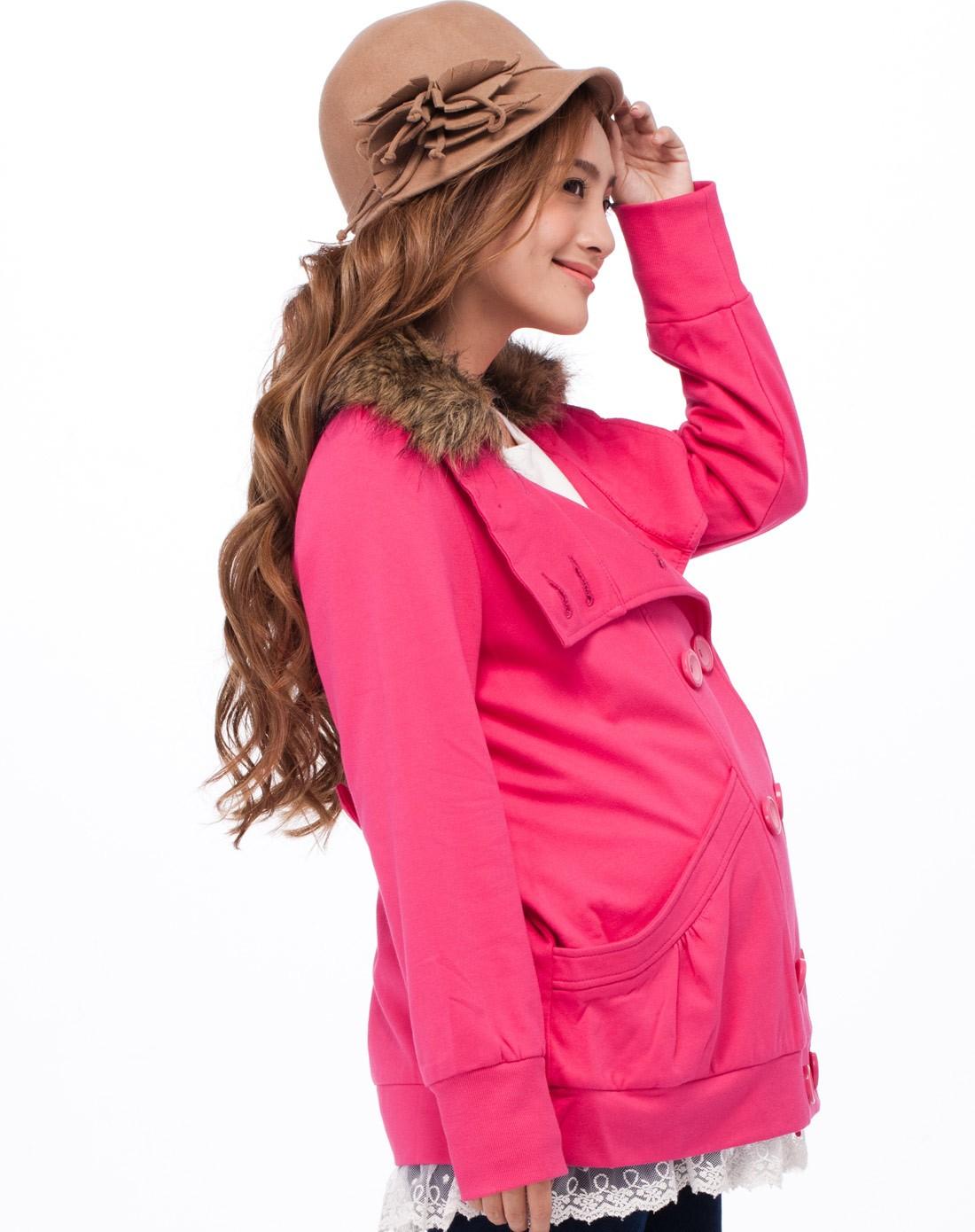 玫红针织外套