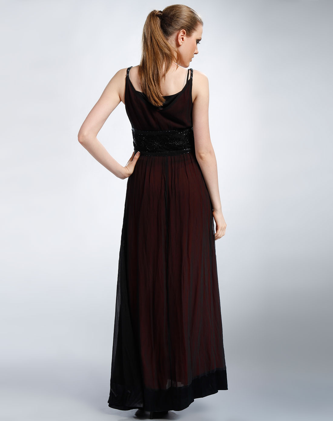 裙黑�_黑/红色无袖连衣裙