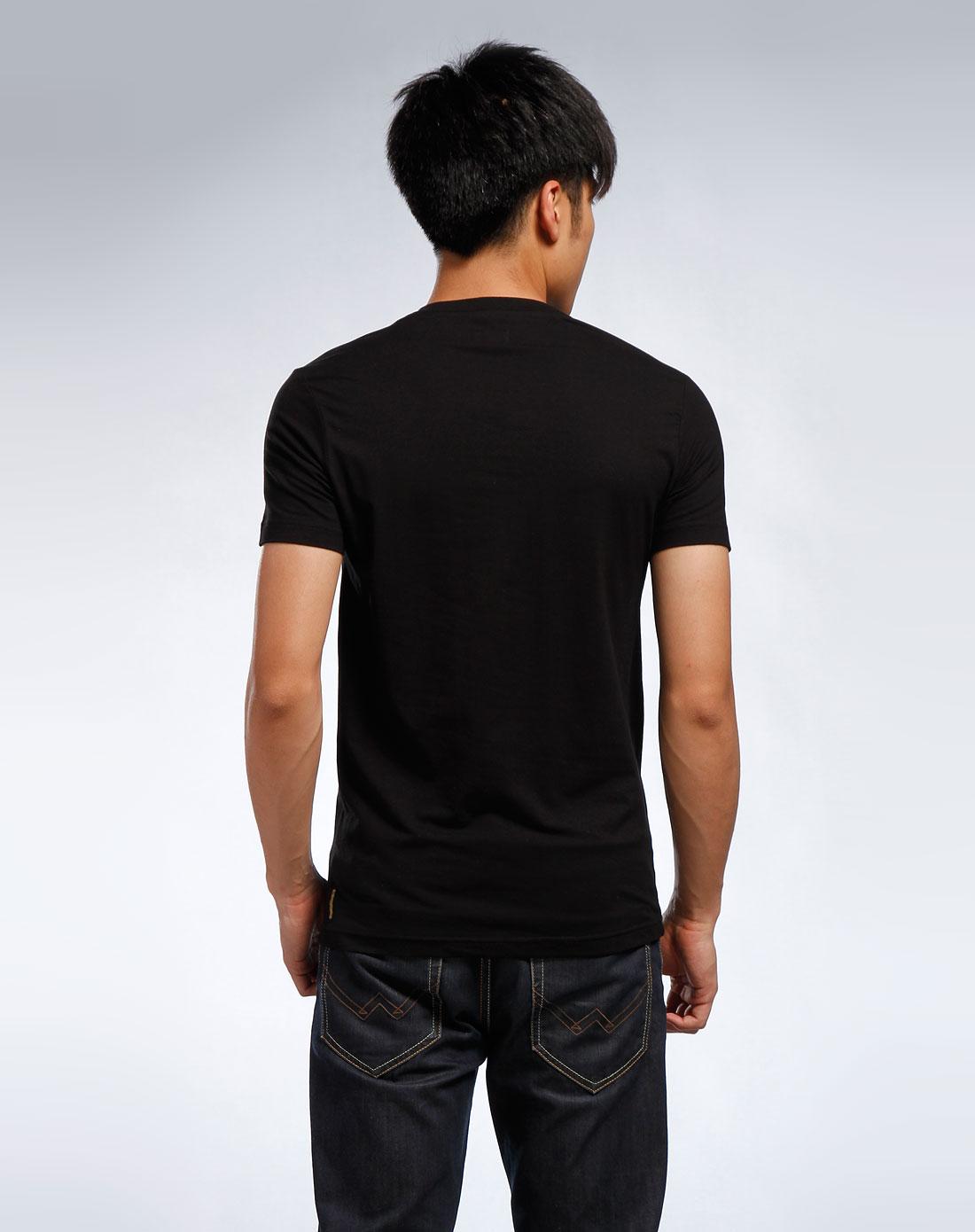 aj 男款黑色v领短袖t恤