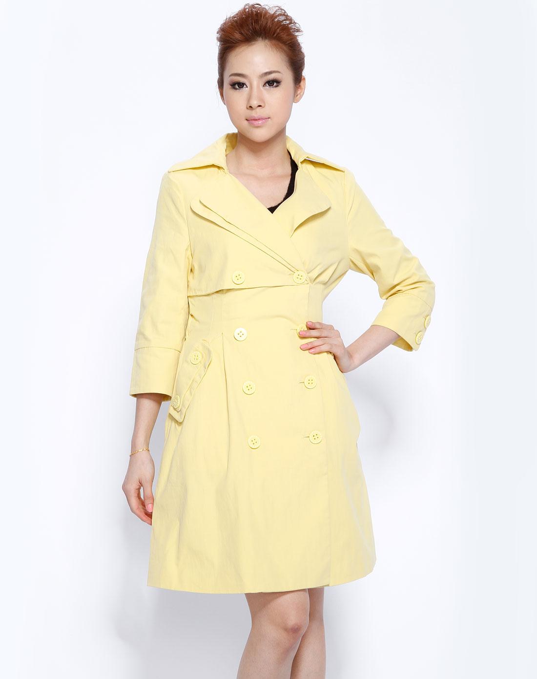 粉黄色梭织中袖大衣110110c