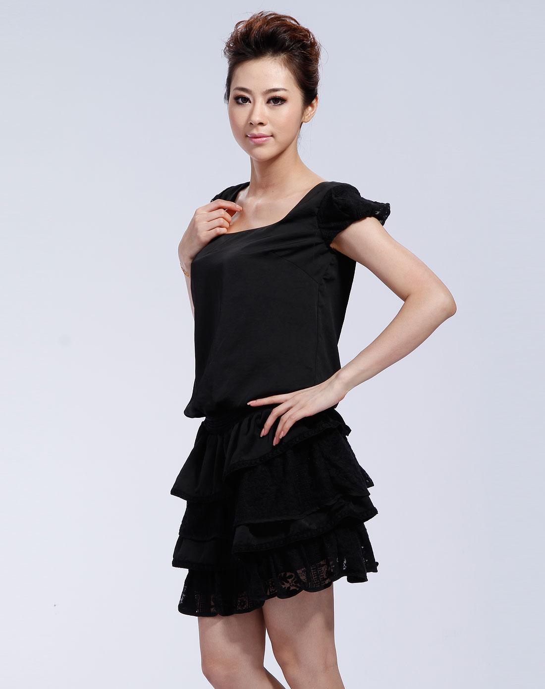 黑色短袖叠层连衣裙