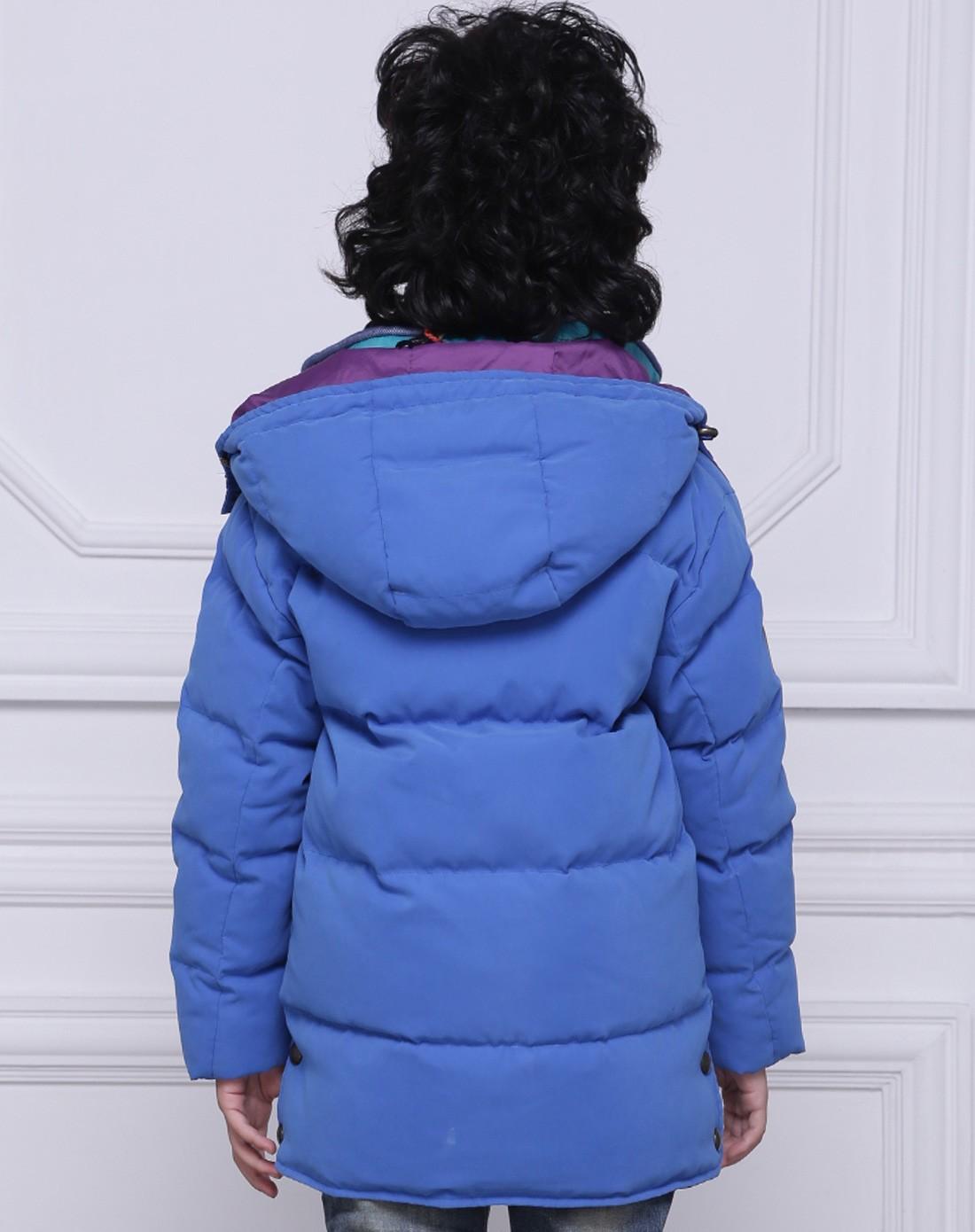 男童蓝色休闲羽绒服