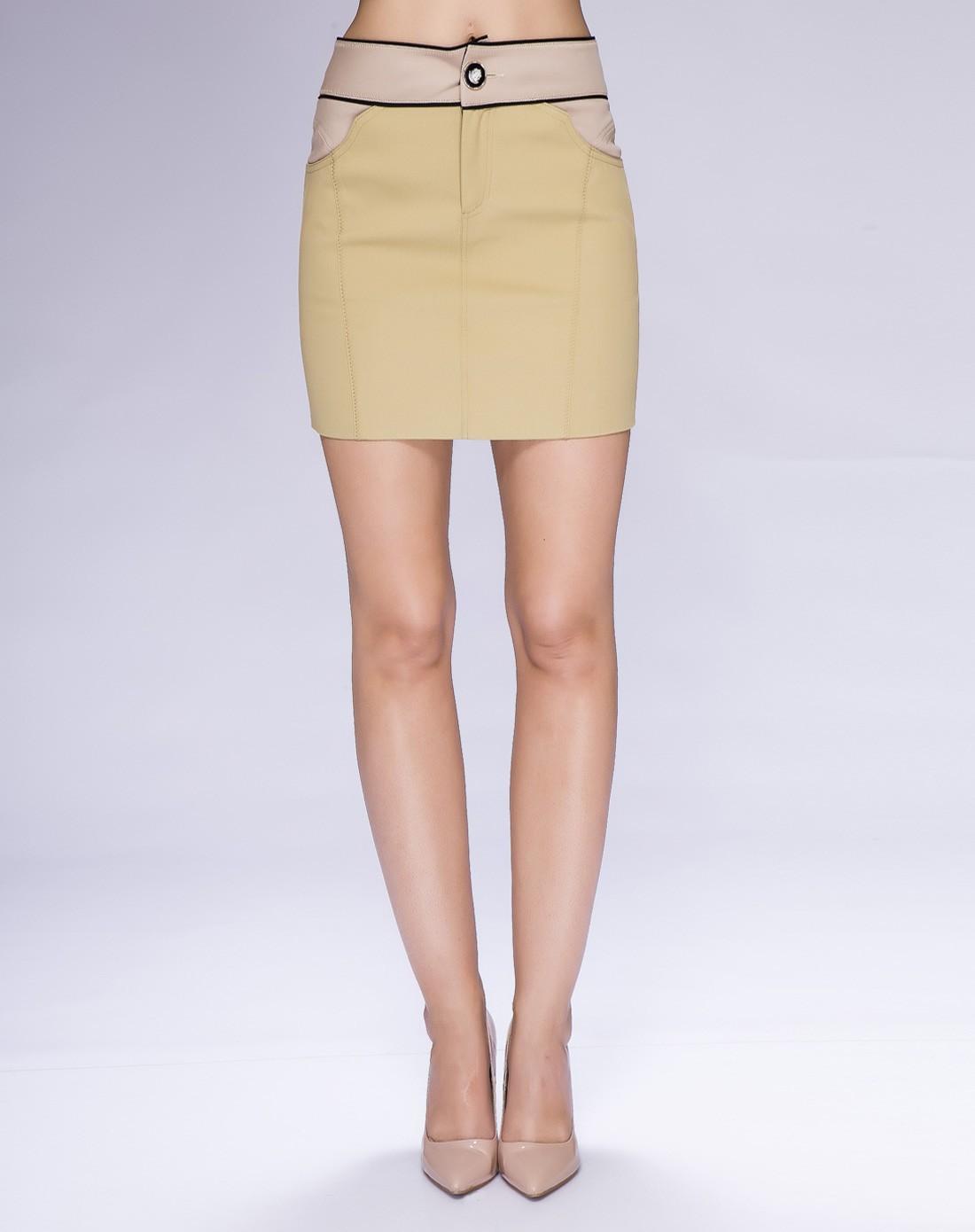 女装浅黄色独特分割线设计修身裙子