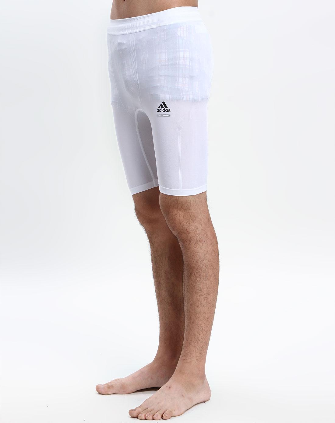 男款白色运动短裤