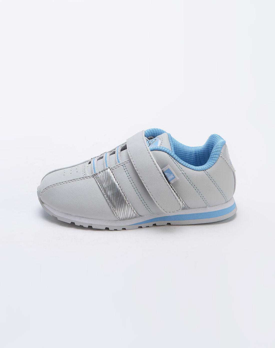 匹克休闲鞋图片