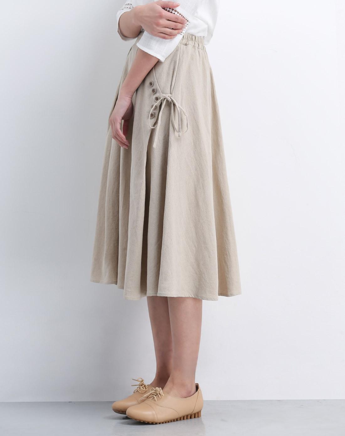 女款浅卡其半身裙