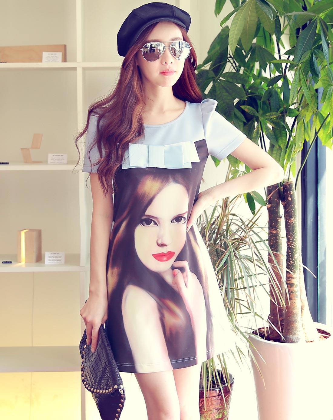 水蓝色长发女孩印花连衣裙