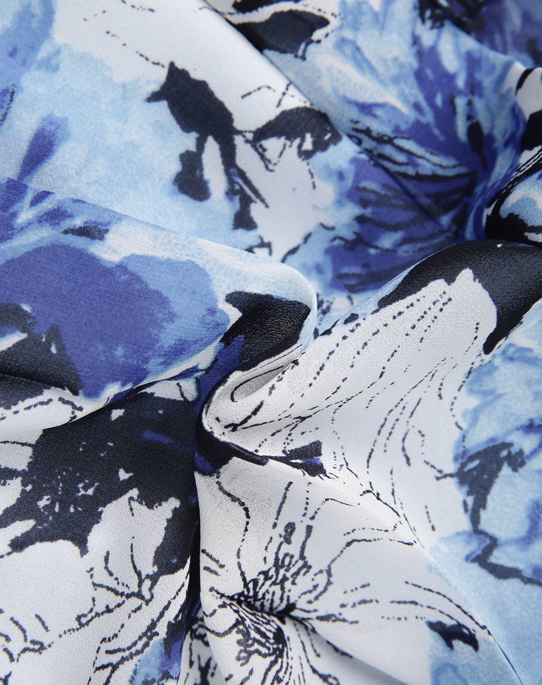 蓝色手绘花连衣裙