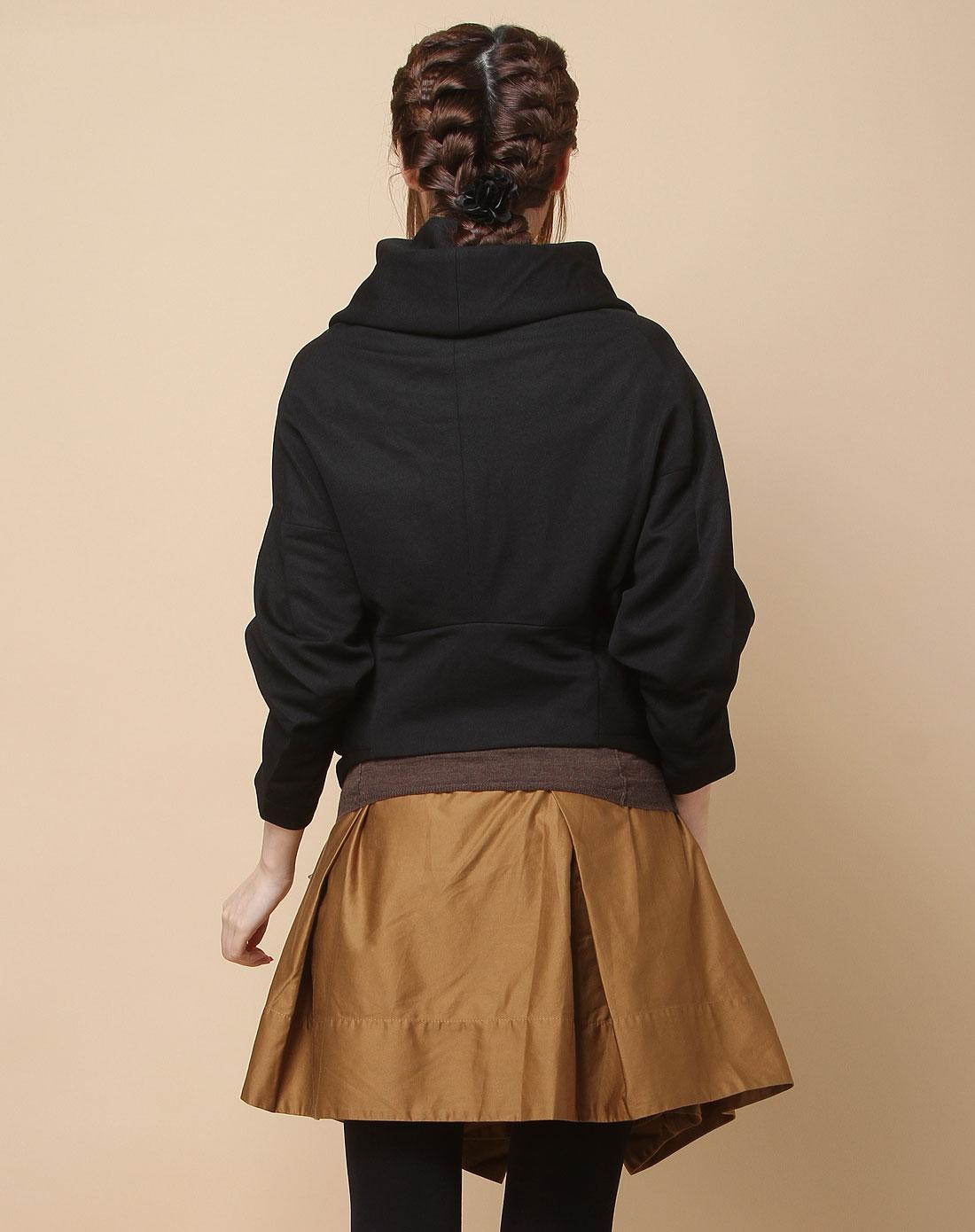 黑色个性连帽中袖针织外套