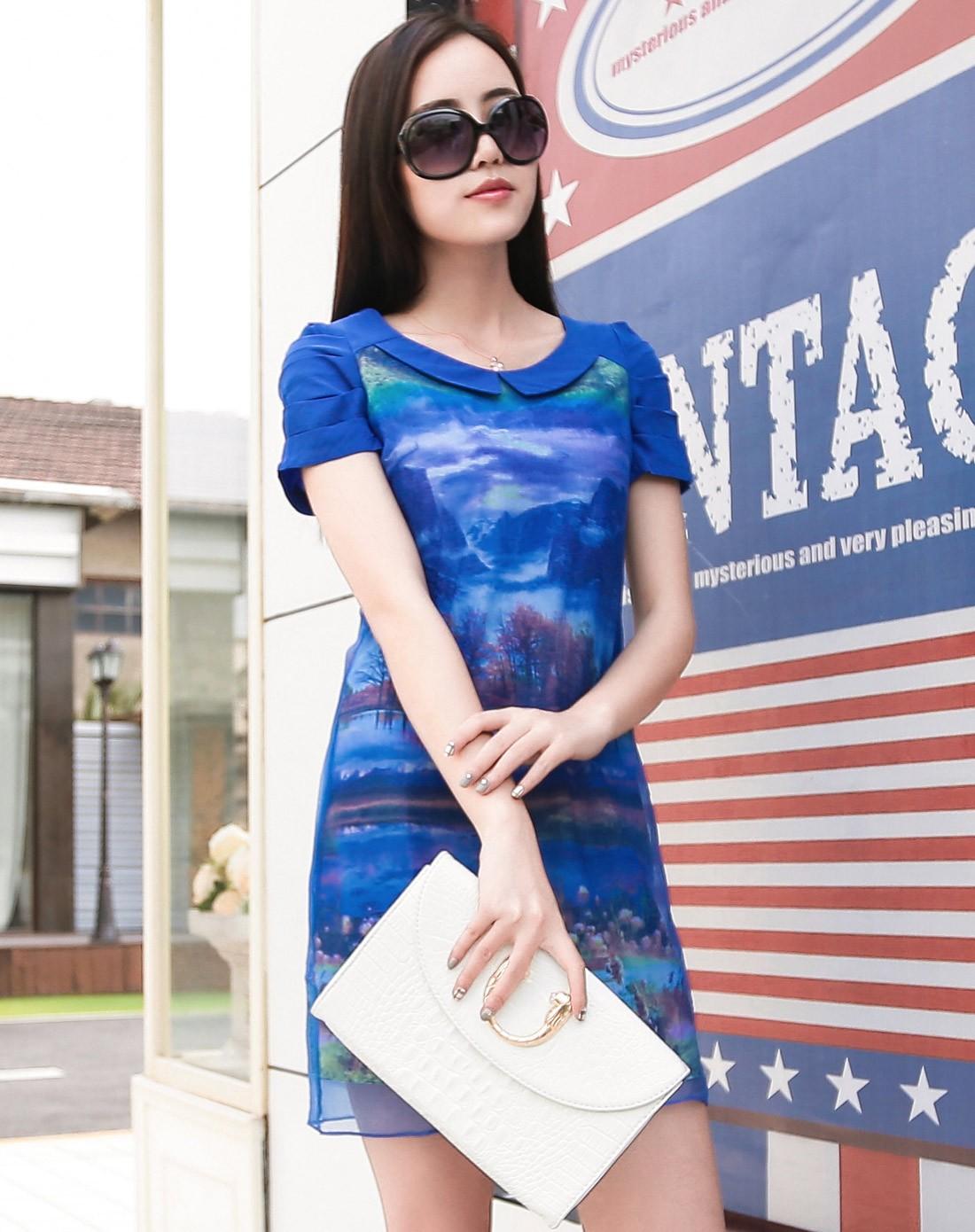 蓝色可爱娃娃领时尚短袖连衣裙