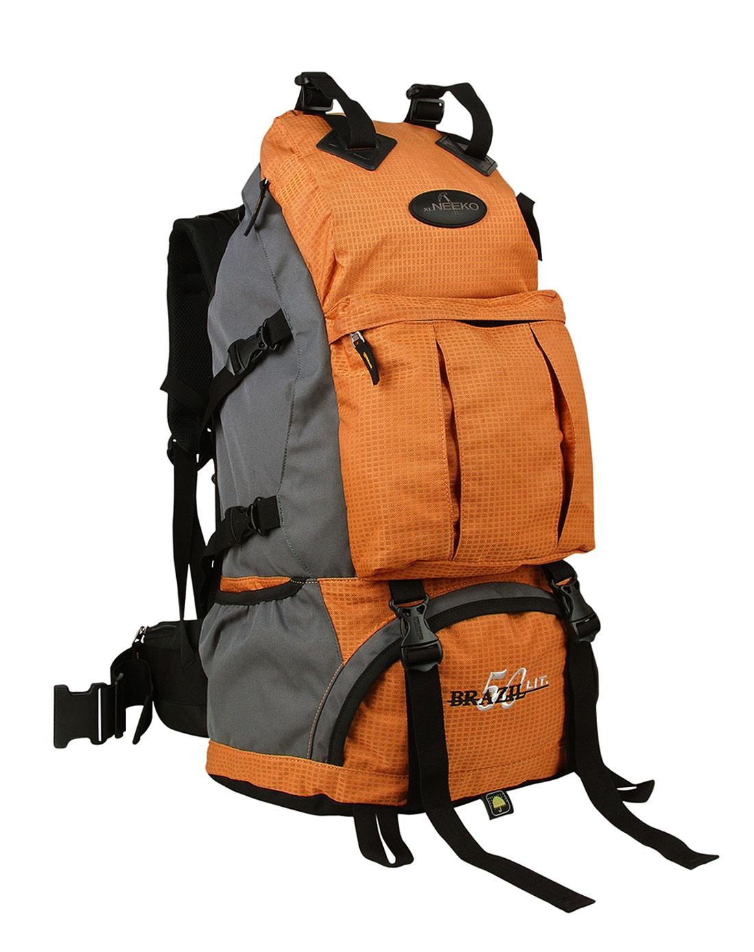 中性橙色登山背包