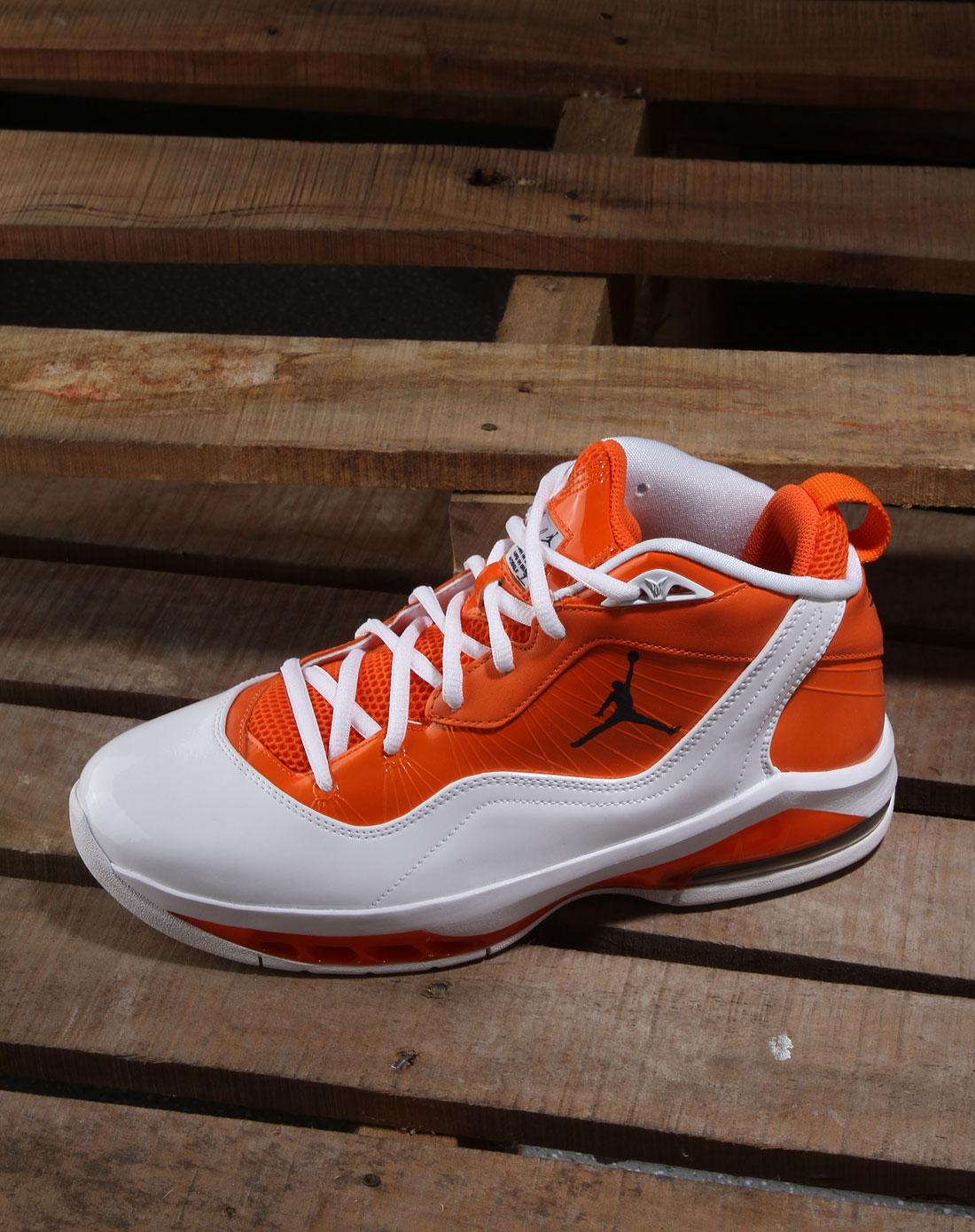 男款橙/白色jordan melo m8运动鞋