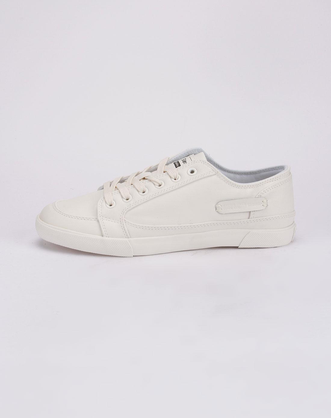白帆布鞋怎么洗_白色时尚帆布鞋