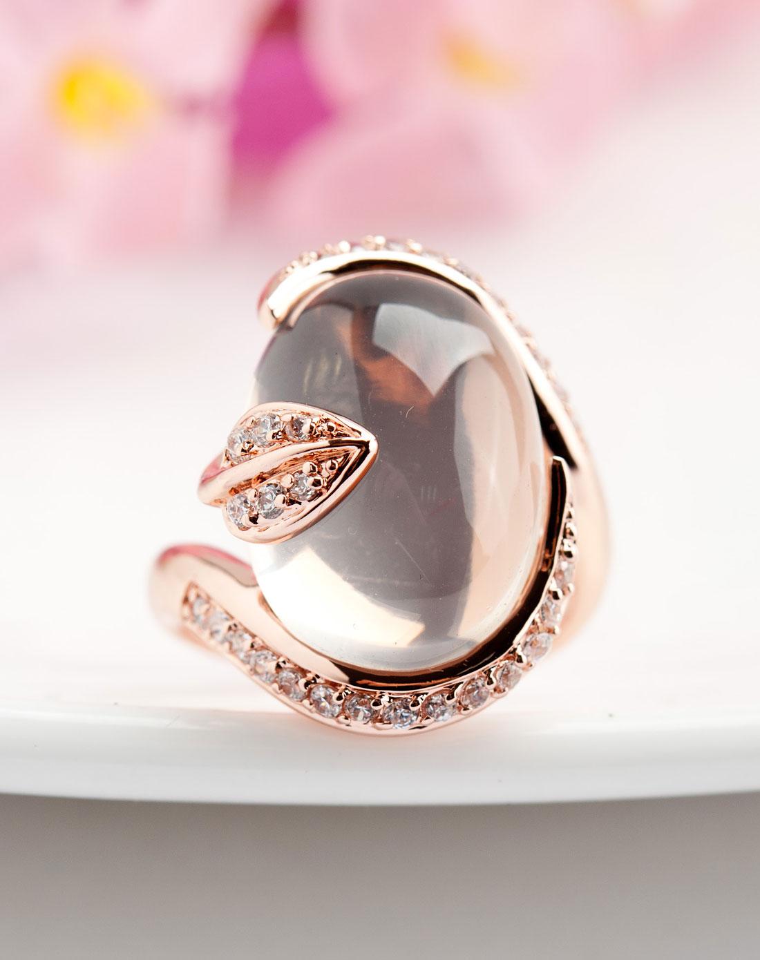 粉水晶戒指