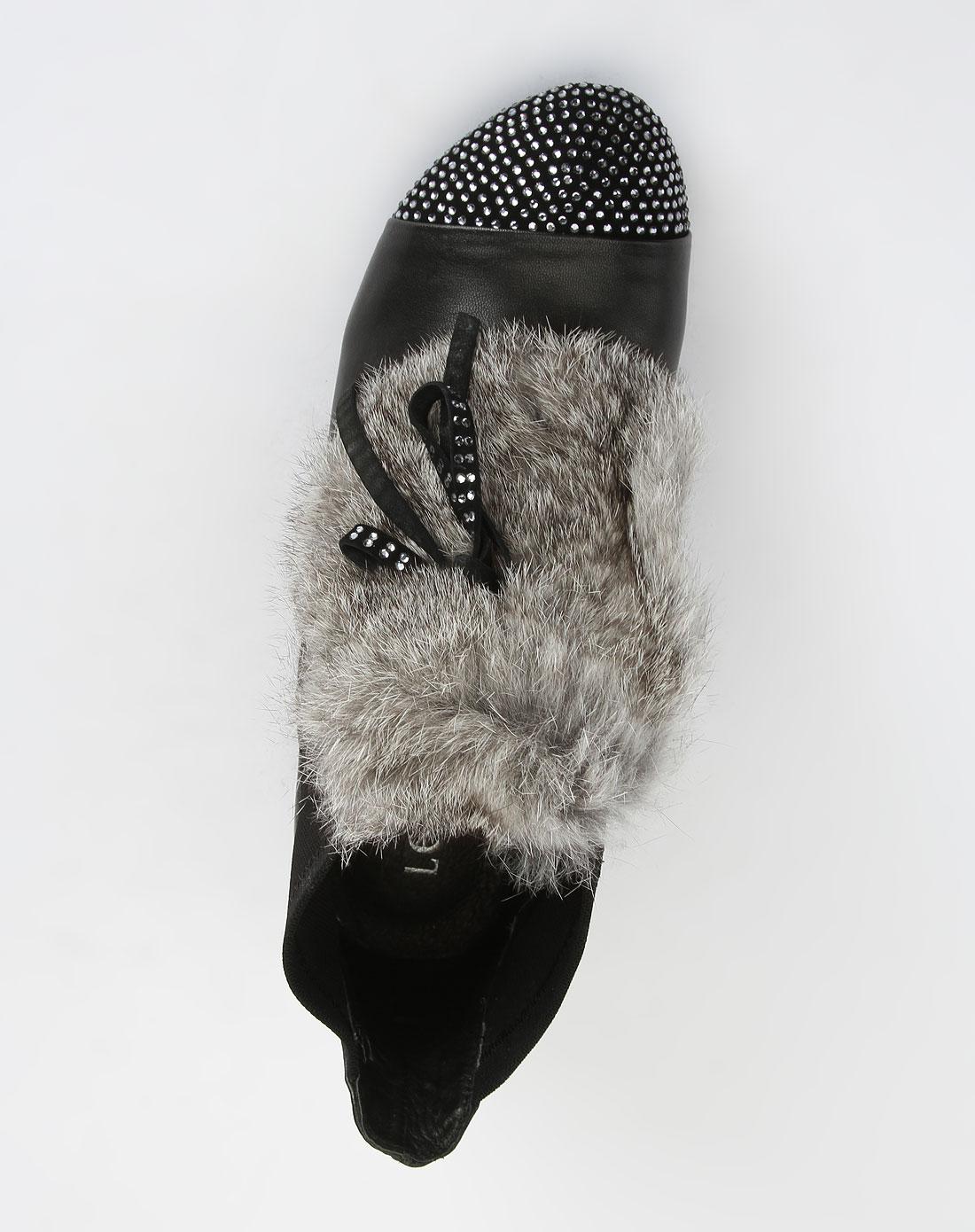 女款黑色时尚低跟鞋