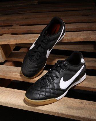 耐克nike-男款黑色牛筋底休闲足球鞋454323-018